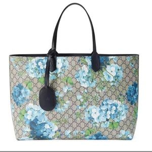Gucci Blooms GG Reversible Medium Leather Tote